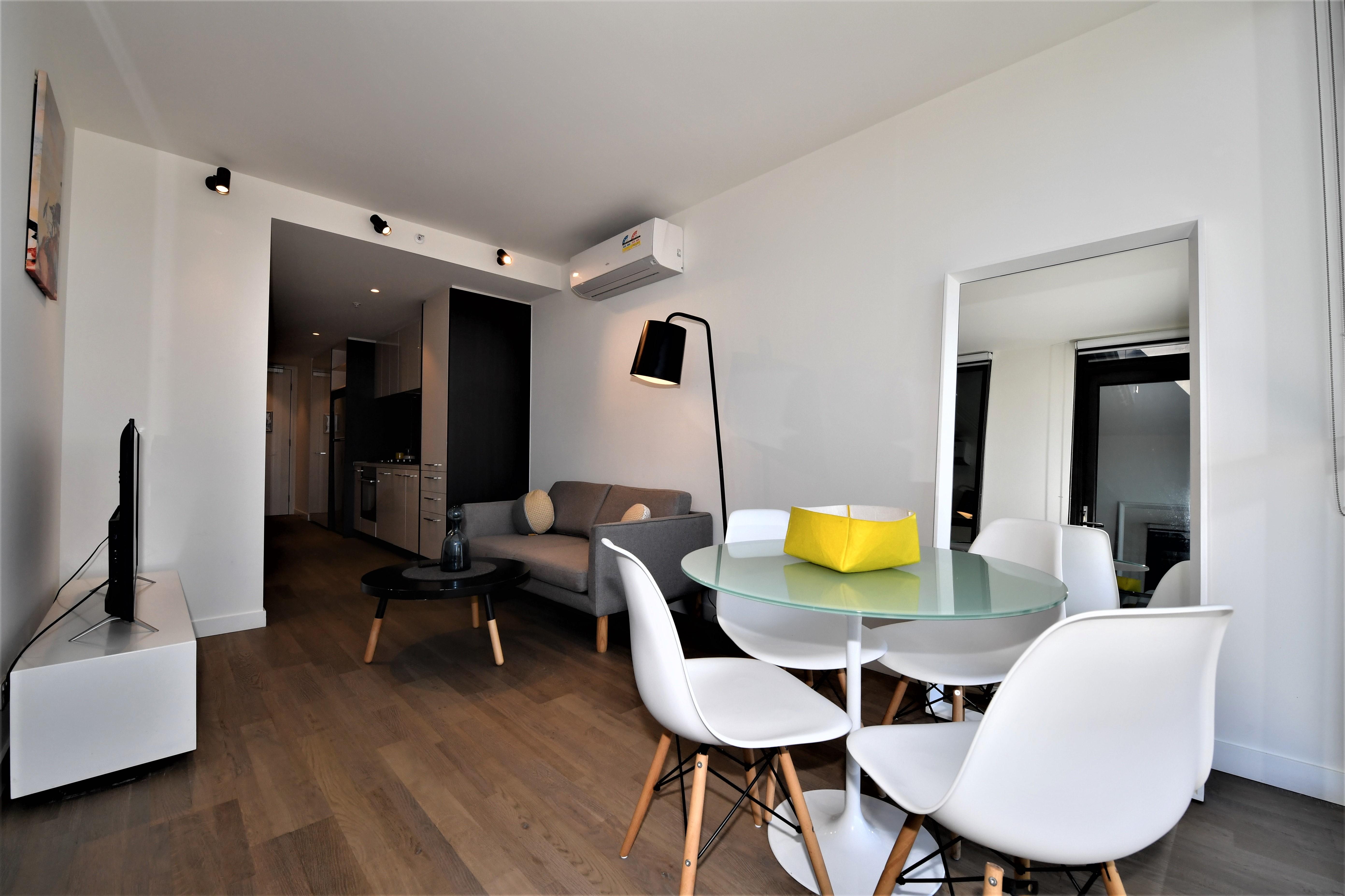adara-brunswick-one-bedroom-living