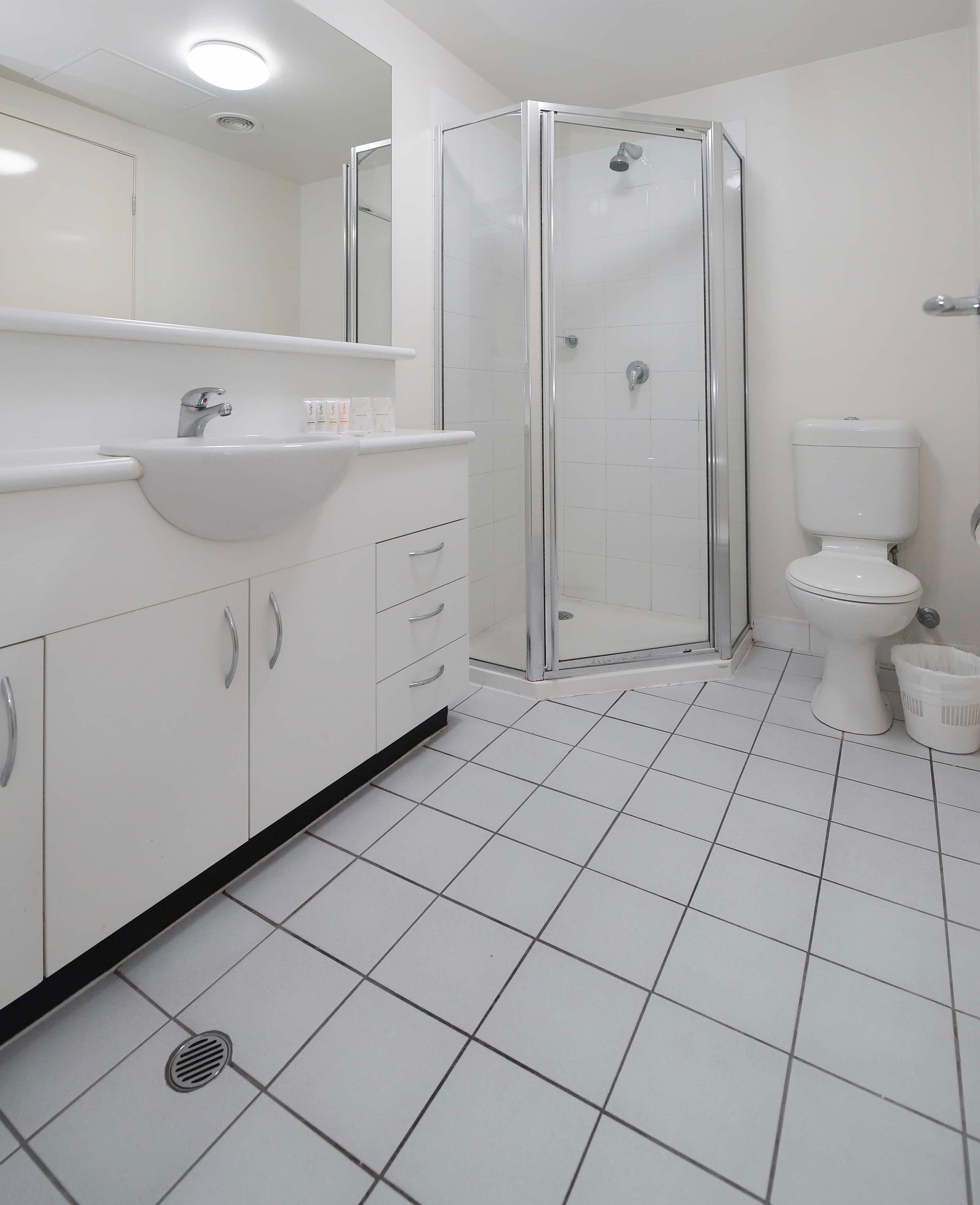 Adara Franklin - 2-Bedroom-superior-Bathroom