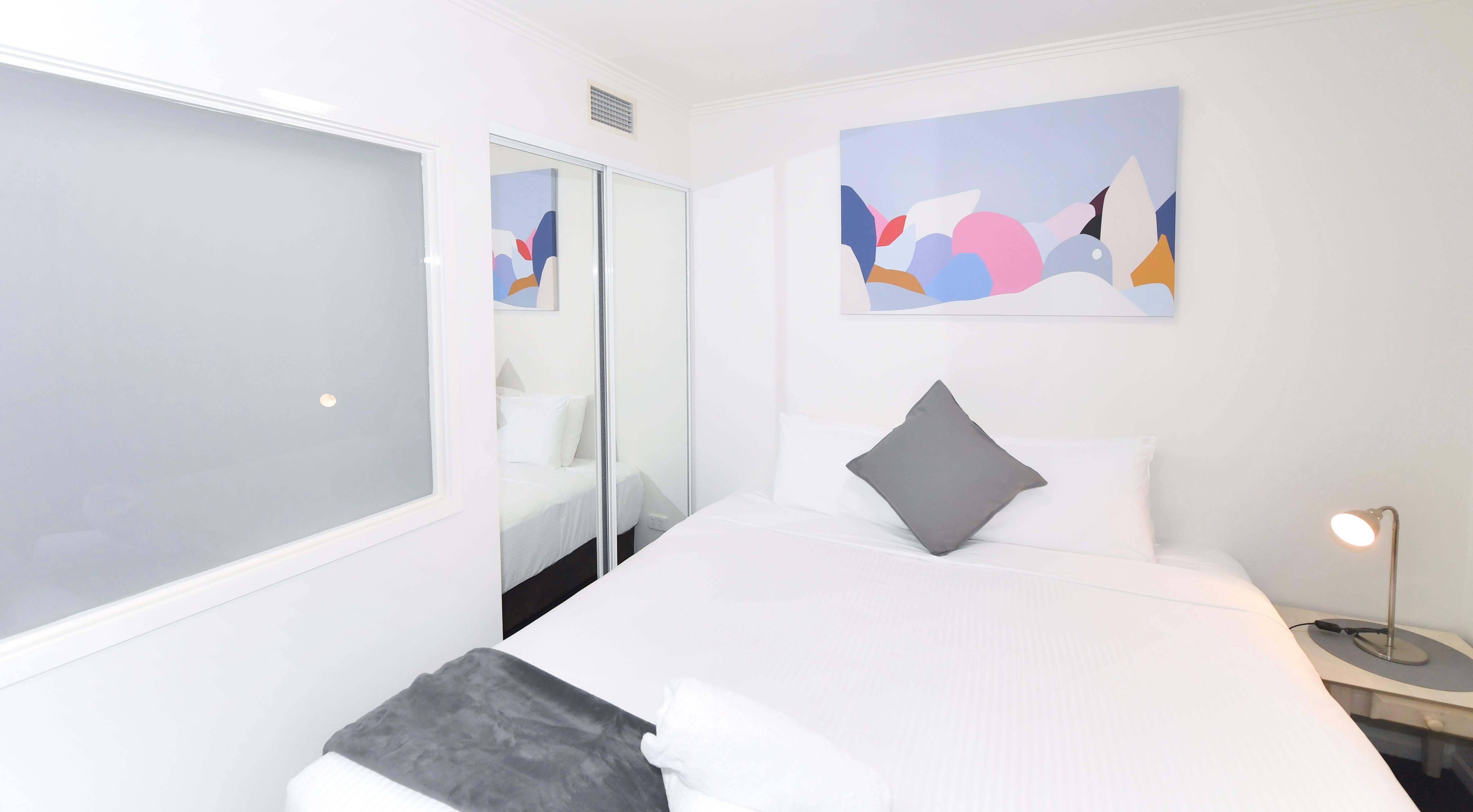 Adara Franklin - 2-Bedroom-superior Queent