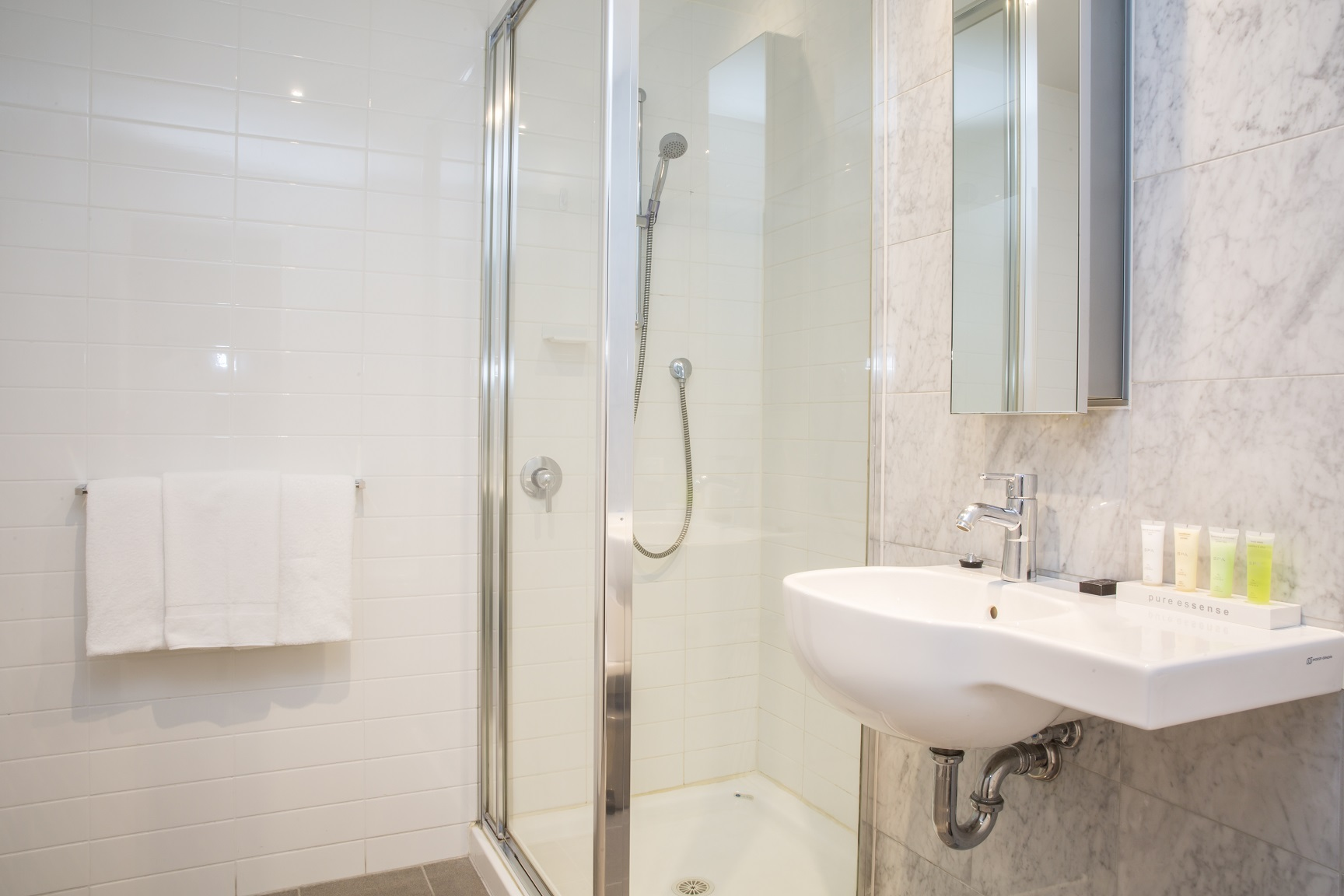 adara-richmond-two-bedroom-bathroom