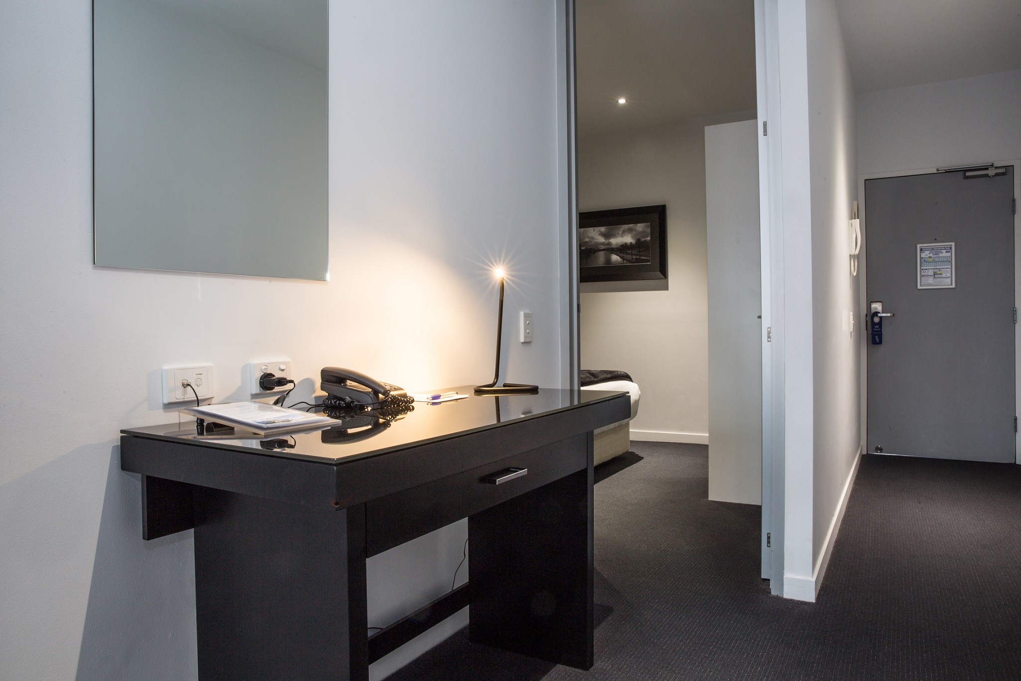 adara-richmond-two-bedroom-desk-space