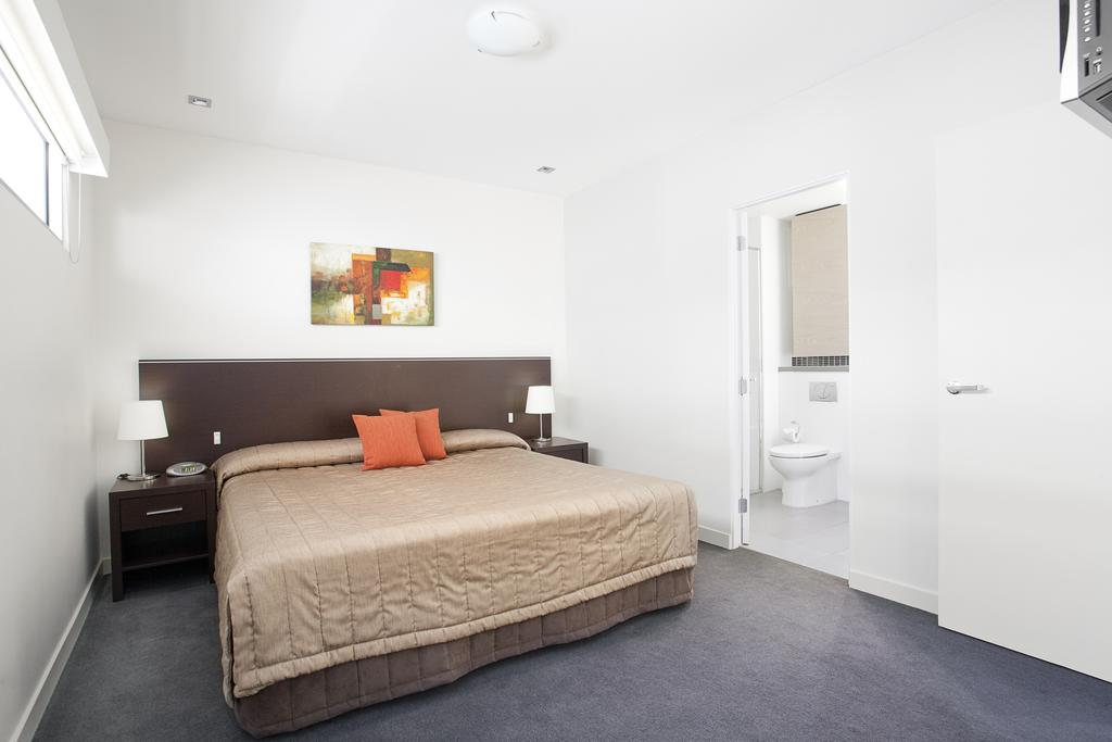 adara-st-kilda-one-bedroom-bed-2