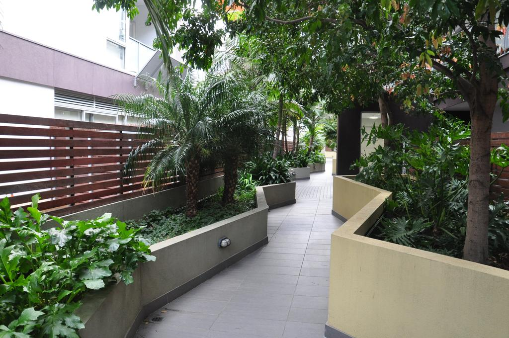 adara-st-kilda-one-bedroom-studio-out-side