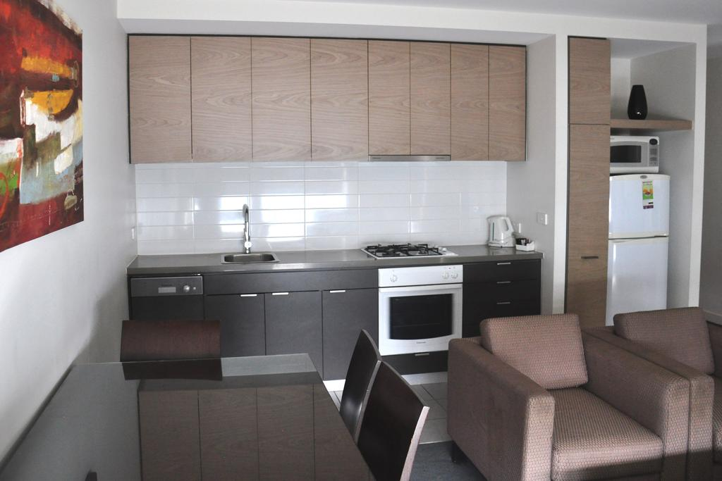adara-st-kilda-two-bedroom-standard-kitchen-1