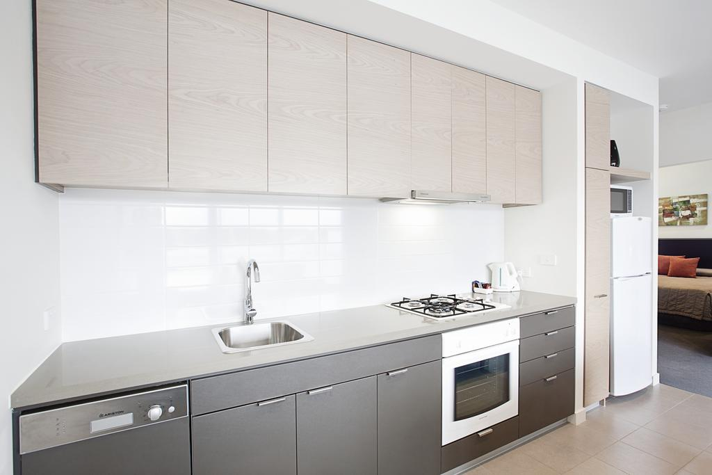 adara-st-kilda-two-bedroom-standard-kitchen-2