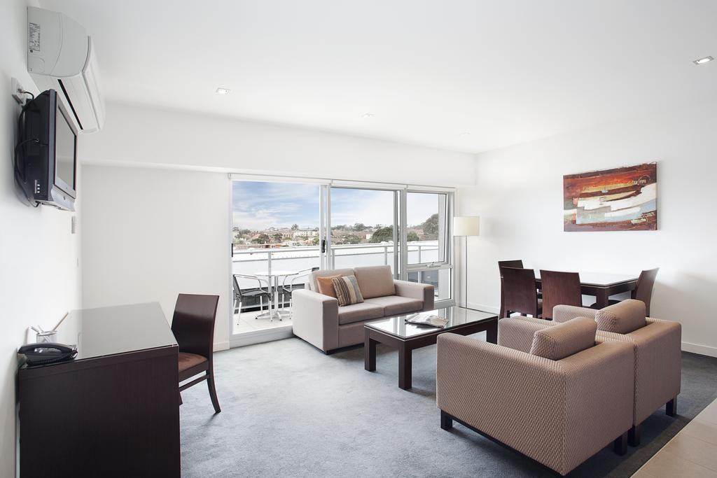 adara-st-kilda-two-bedroom-standard-living-1